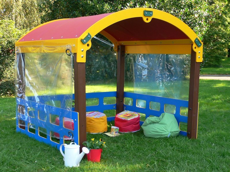 Reccled Plastic Curved Roof Play Den from Kedel Limited